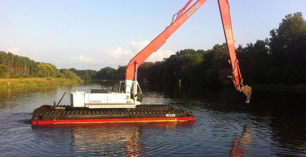 front-end-loader-boat
